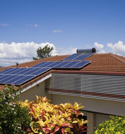 Toit avec panneaux solaire