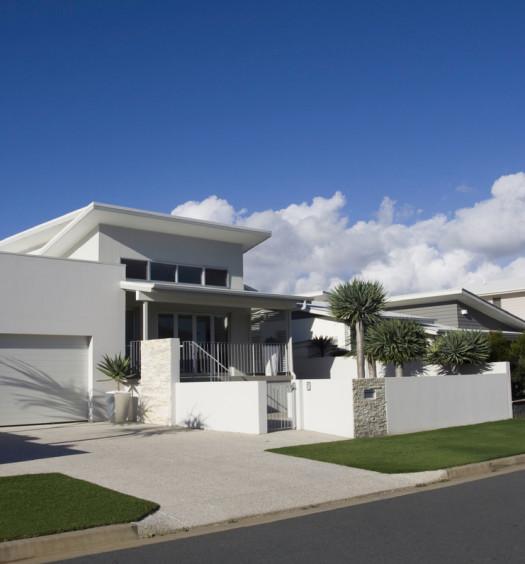 Maison moderne avec grand garage