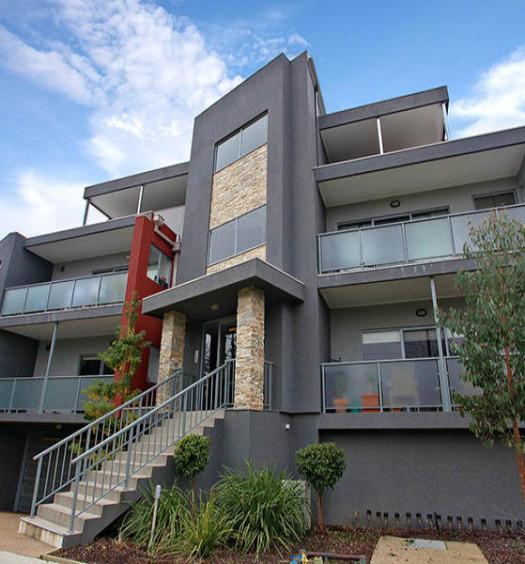 Résidence immobilière avec balcon