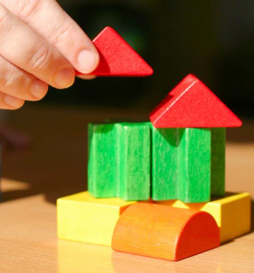 Maisonnette en cube coloré