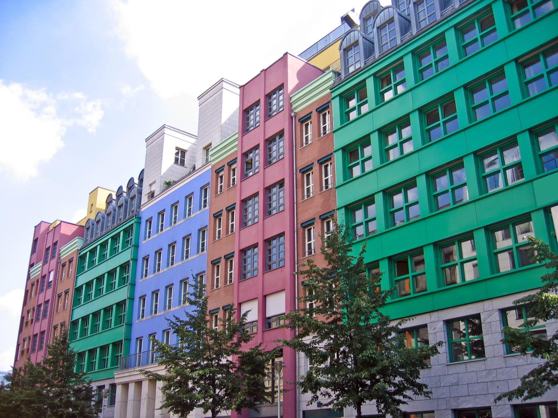 façade immeuble en couleur