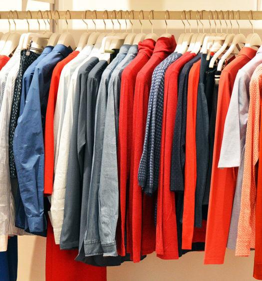 Dressing avec portant pour vêtements