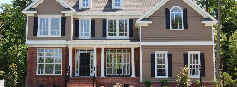Grand maison familiale couleur taupe
