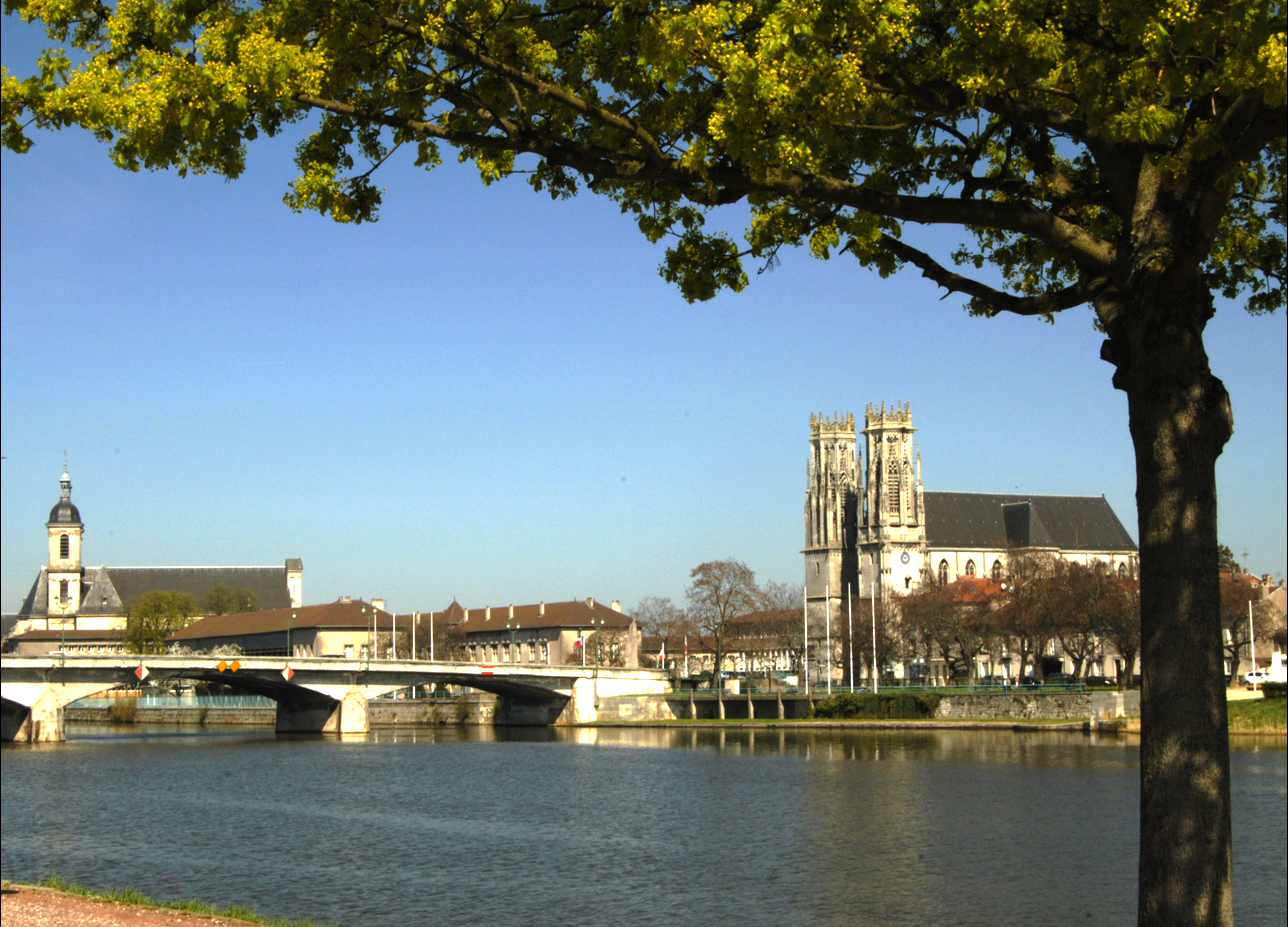Pont mousson un bon compromis pour devenir propri taire - Piscine pont a mousson ...