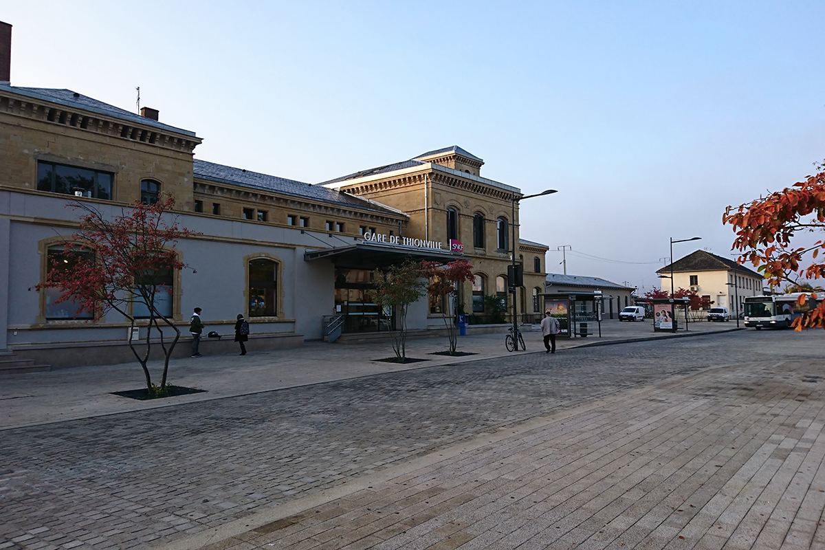 Place de la gare à Thionville