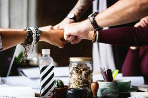 Acheter un bien immobilier entre amis, comment faire '